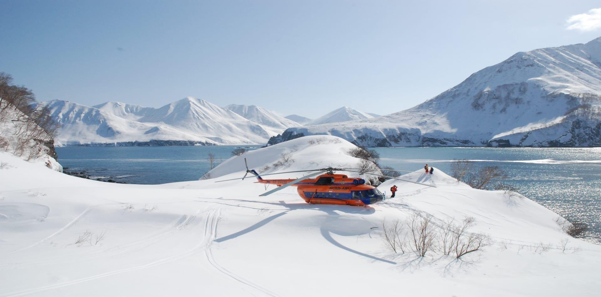 Heli skiing in Kamchatka volcanos and lakes