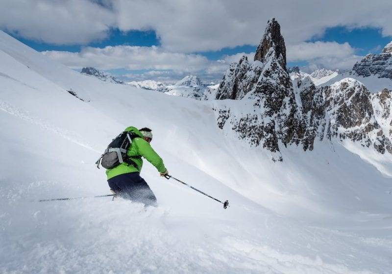 carving new powder off-piste