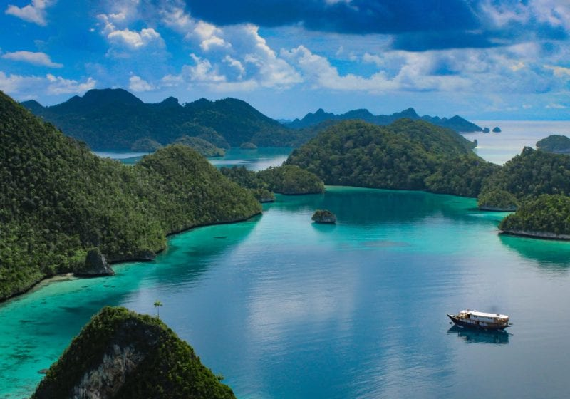Rascal Yacht in the Indonesian Archipelago