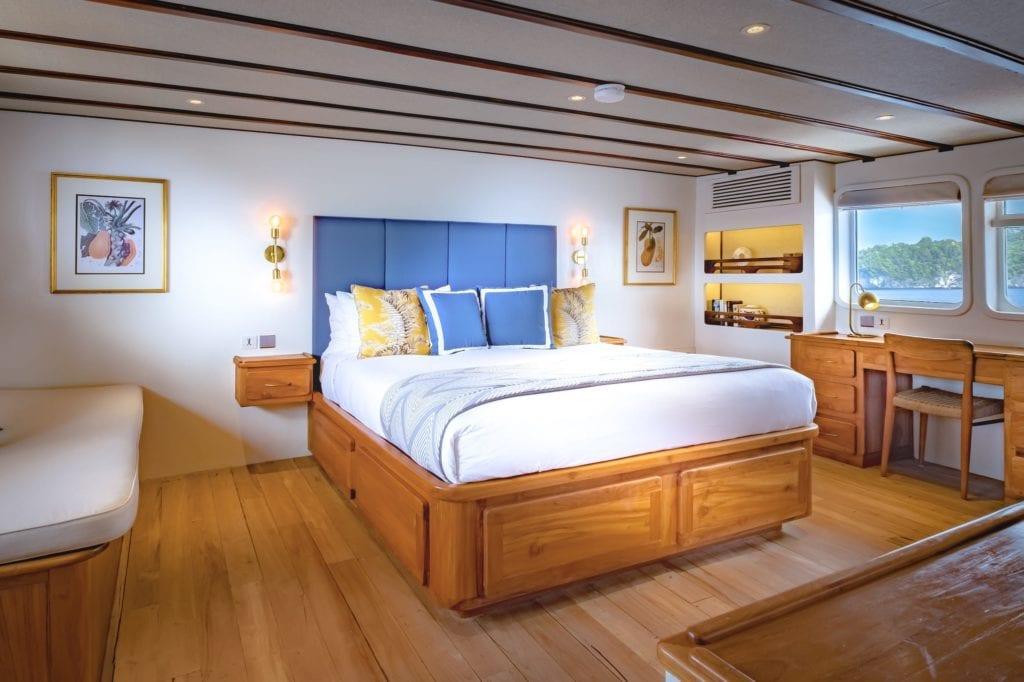 Rascal yacht guest cabin