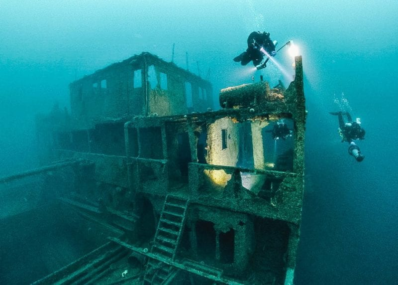 Hunt for lost WWII wrecks in a Submersible