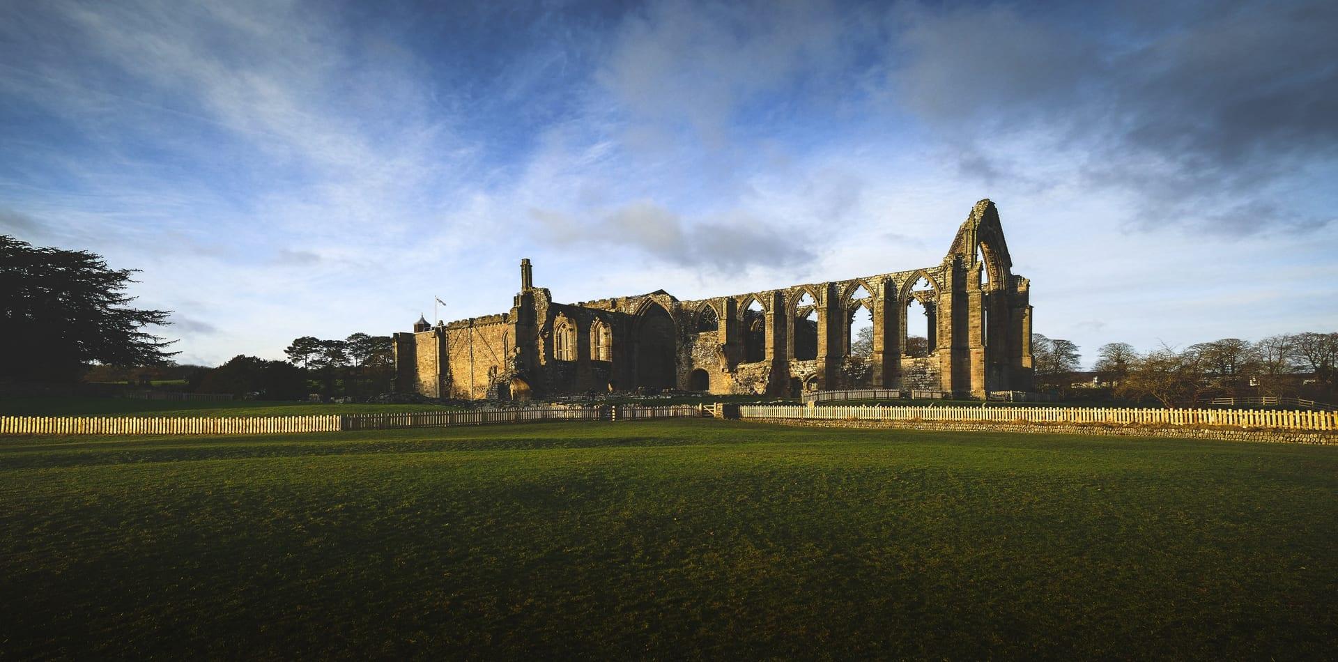 Uk Yorkshire Ruins Hero Image