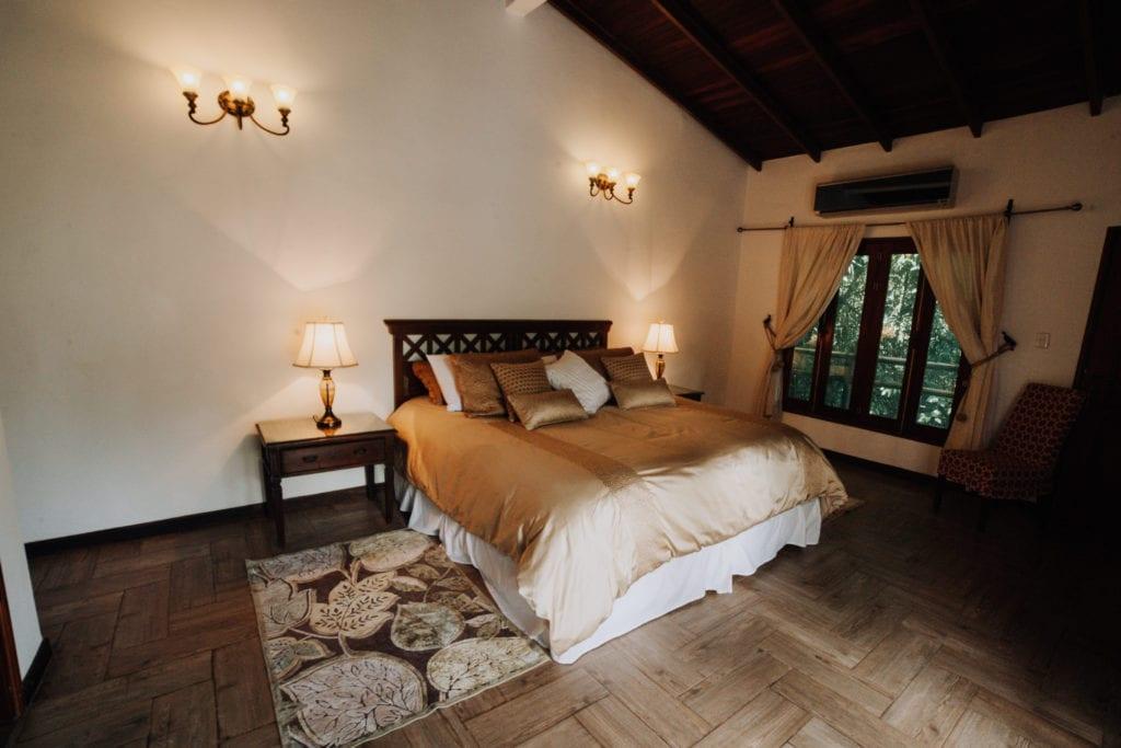 bedroom interior wakü lodge