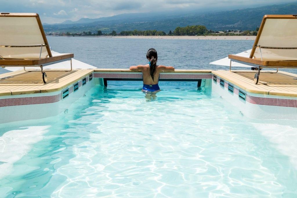 Axioma yacht Infinity Pool