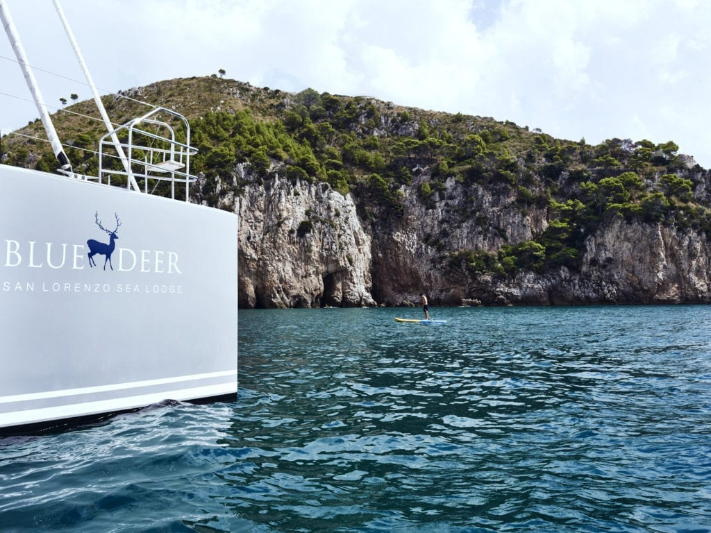 exterior blue deer sea lodge sailing