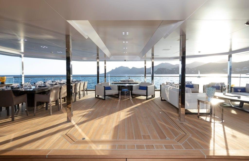 Bold Yacht Exterior Deck space © Guillaume Plisson
