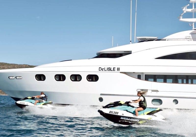 De Lisle III Yacht Jet Skis