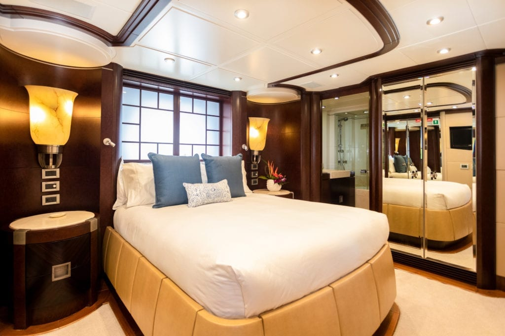 Guest Double Cabin in De Lisle III Yacht