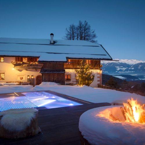 White Deer Lodge, Italy