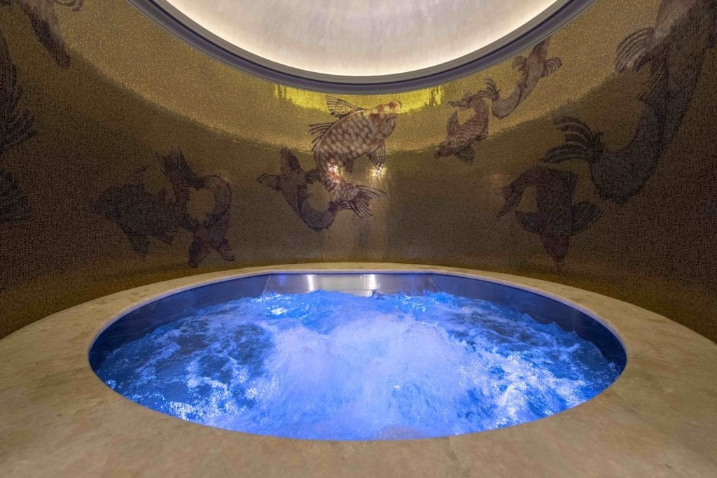 hot tub holy deer city lodge italy