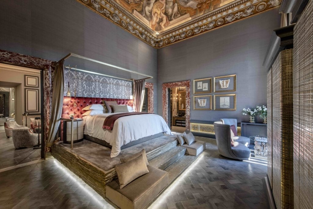 pope bedroom holy deer city lodge rome