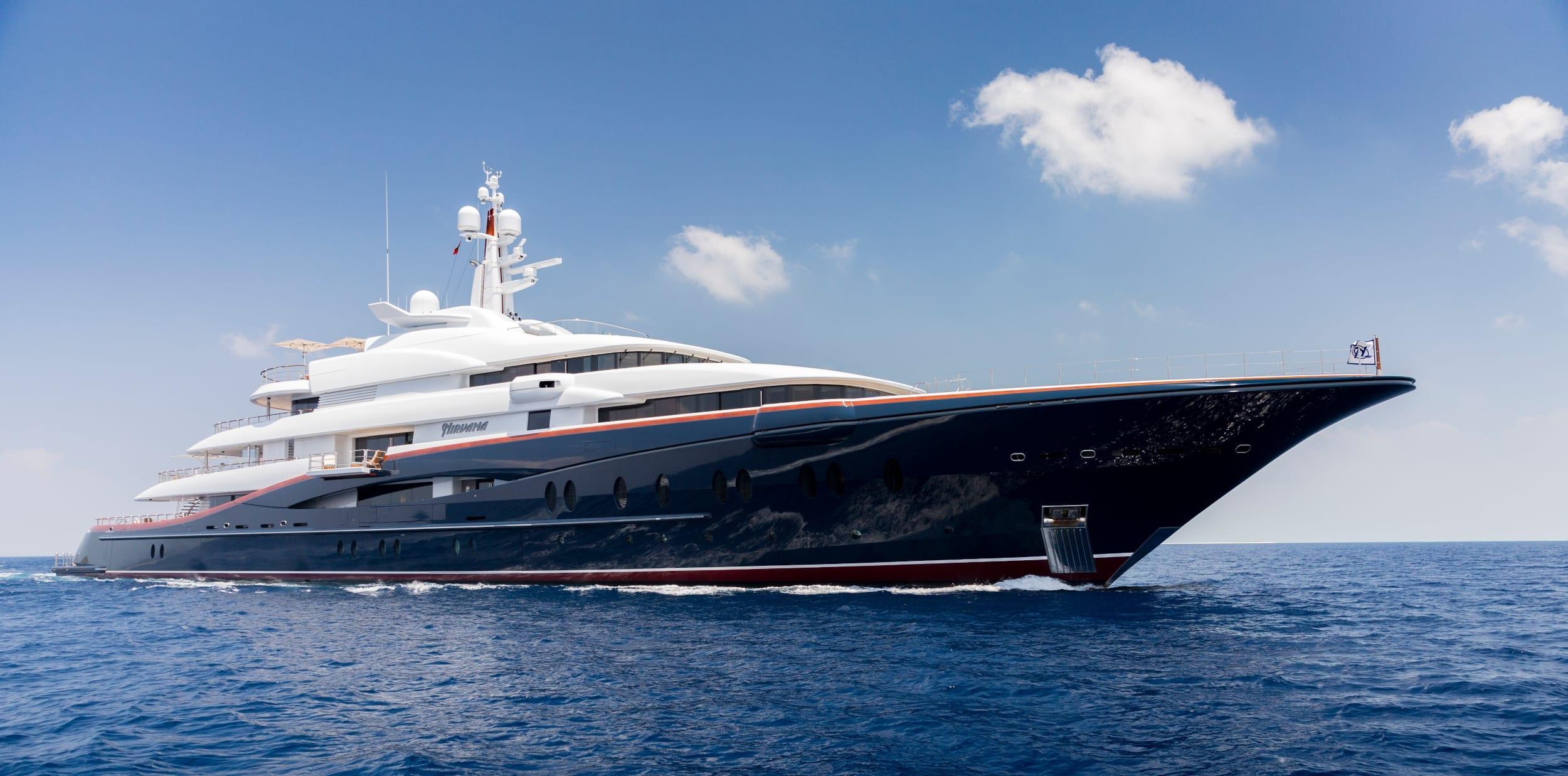 Profile of Nirvana yacht underway