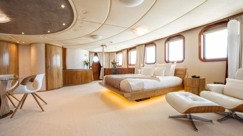 Sherakhan yacht Master Suite