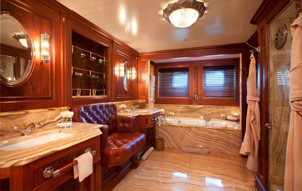 Tiara Yacht Master Ensuite