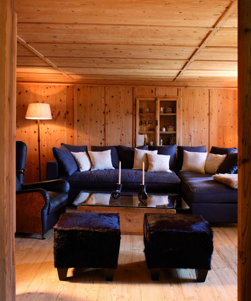 white deer mountain lodge dolomites sofa lounge area