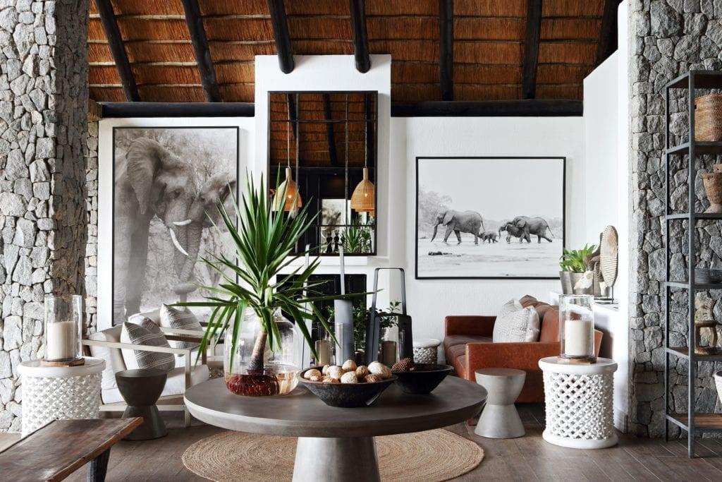 Lounge Area with Local ARtwork Interior Of Londolozi Granite Suites South Africa