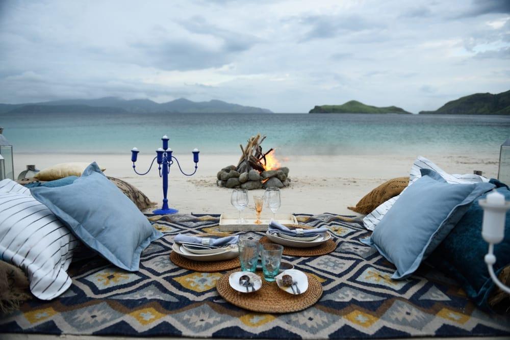 Luxury picnic on the Greek coast
