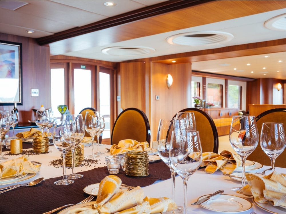 Dining area on Daydream yacht