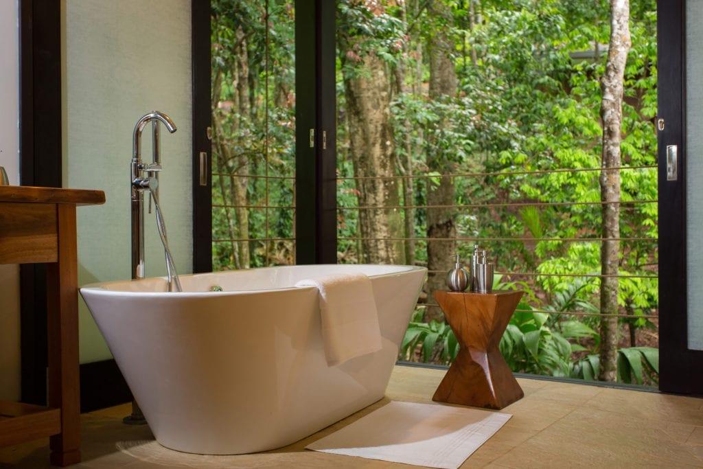Isla Palenque bathroom interior