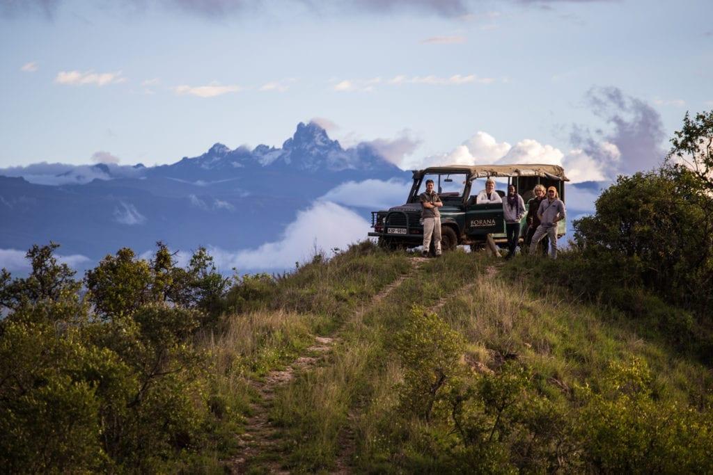 Mount Kenya game drive pit stop