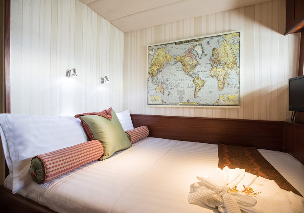 Double bedroom on board the Orient Pearl