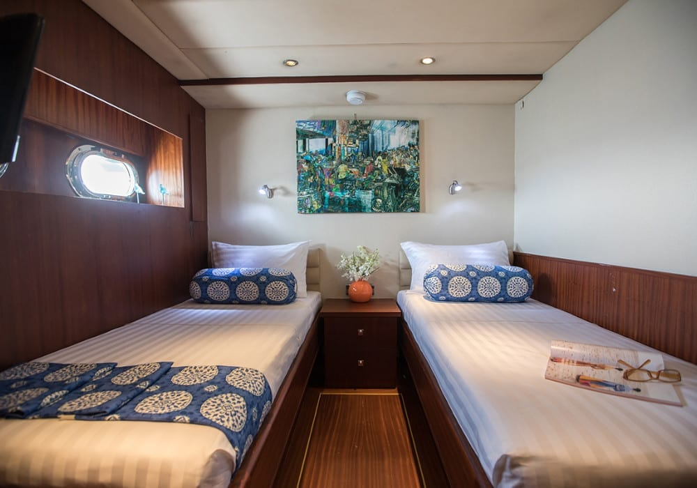 Twin bedroom on the Orient Pearl