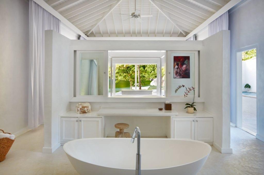 bathroom sugar beach st lucia