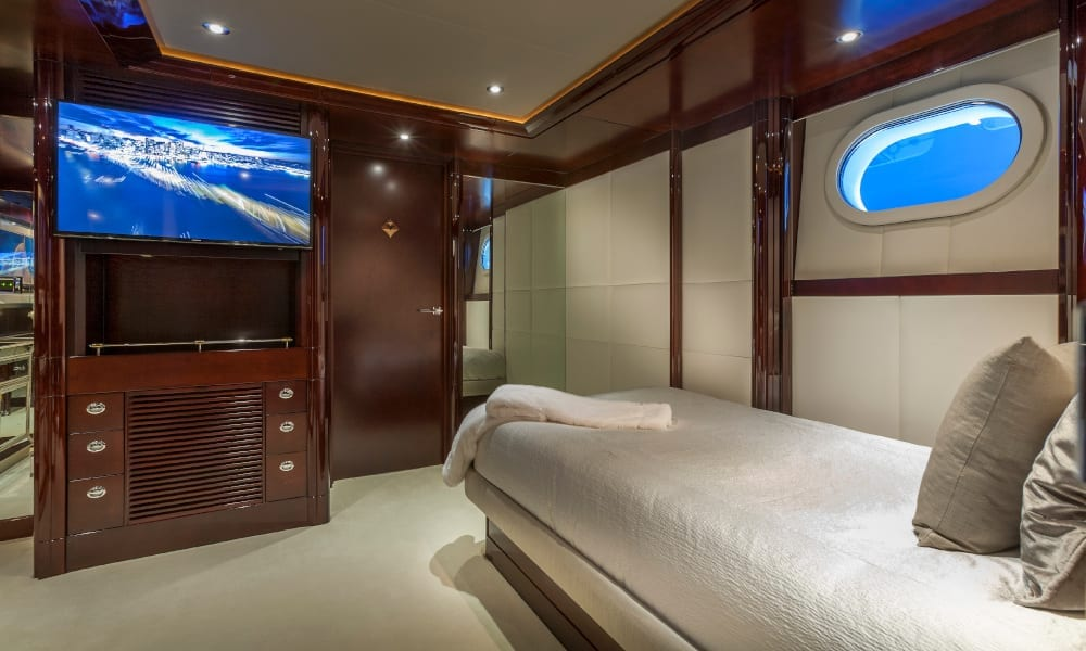 Single bedroom with TV