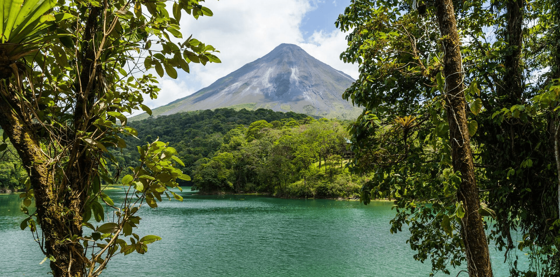 Hero Costa Rica Lakes, Jungle and Volcanoes