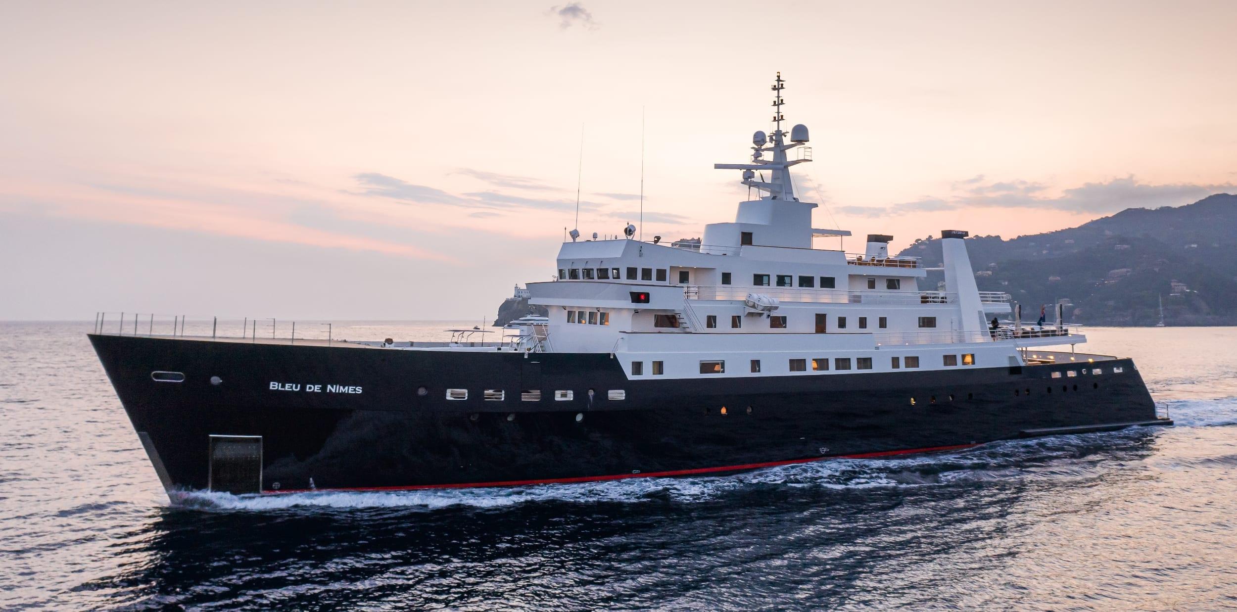 Bleu De Nimes Yacht Exterior
