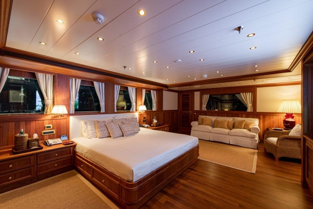 Bleu De Nimes Yacht Interior