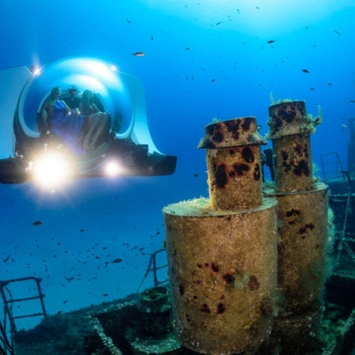 Super Yacht Sub 3 exploring a wreck - credit Rob Aarsen