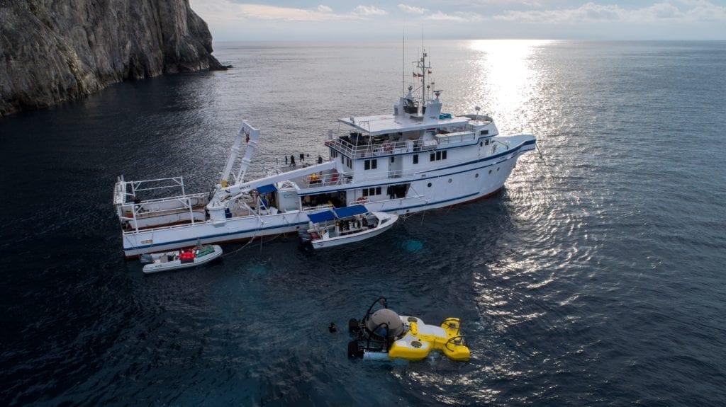 Argo and Deepsee Submarine External