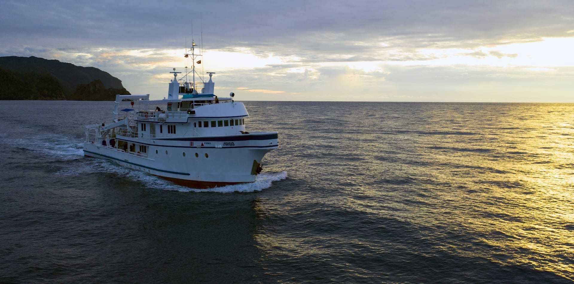 Hero Argo Yacht at Sunset