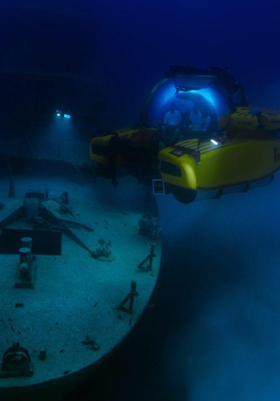 descending yo the depths in the u-boat navigator submarine