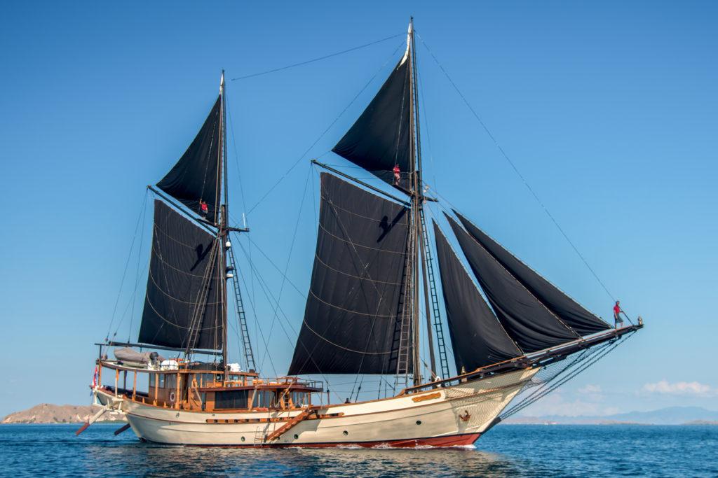 Sailing Yacht Silolona