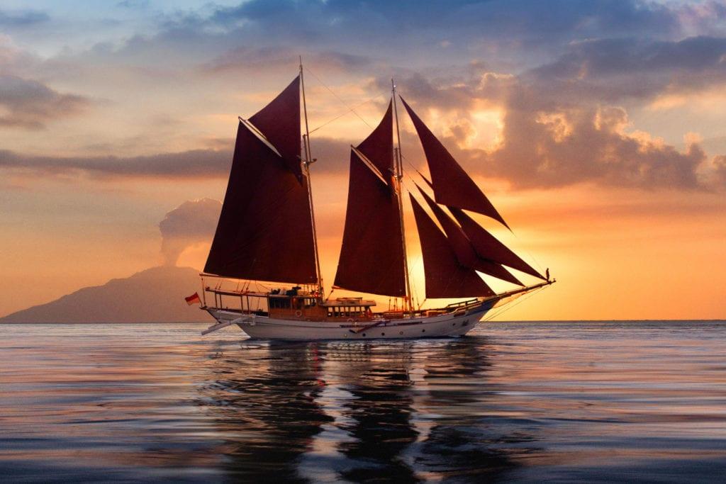 Si Datu Bua Exterior of Yacht at Sunset