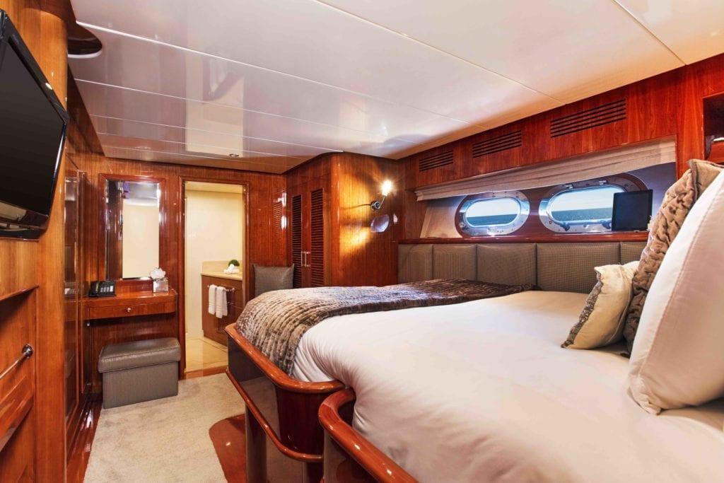 Komokwa Guest Cabin Interior Bedroom