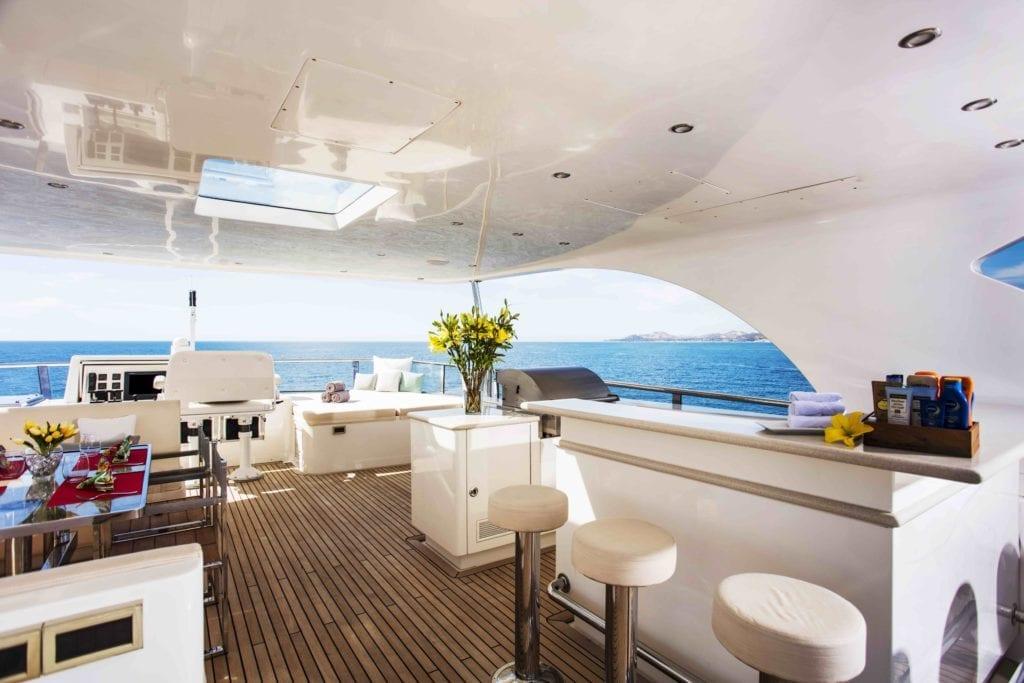 Komokwa Yacht Top Deck Bar Seating Area