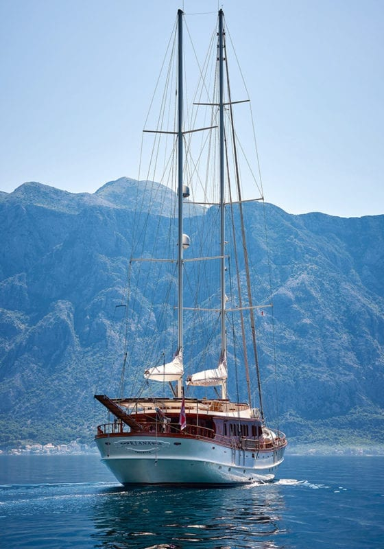 RIANA Sailing Yacht Portrait Exterior