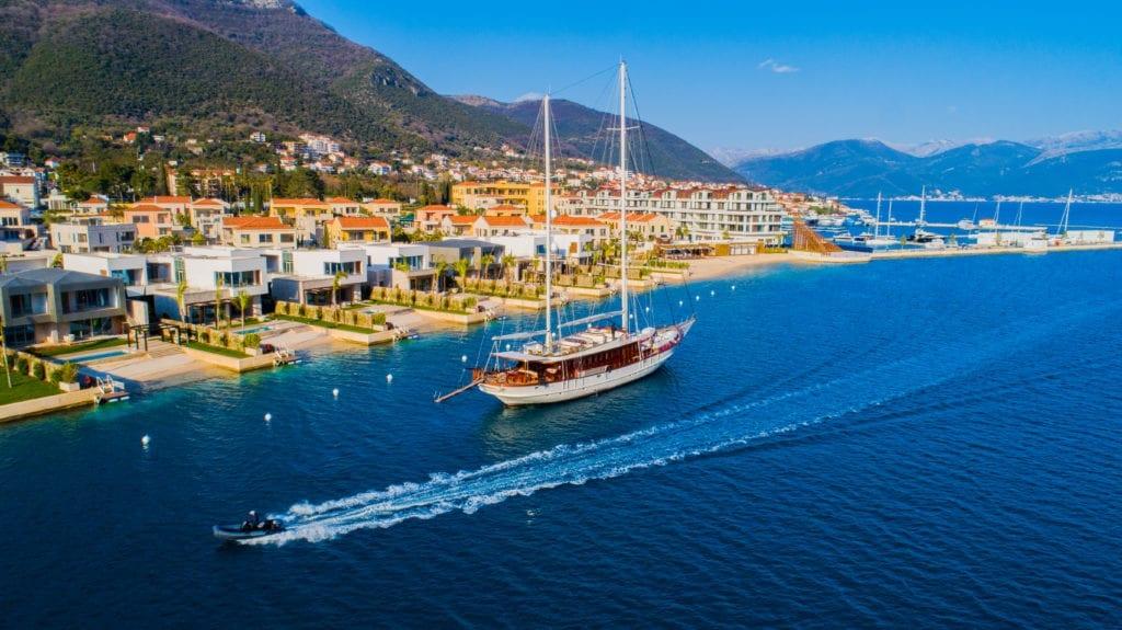 RIANA Sailing Yacht Exterior Montenegro