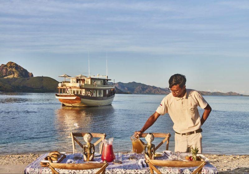 Mischief Yacht Alfresco Dining Crew Service Sunset
